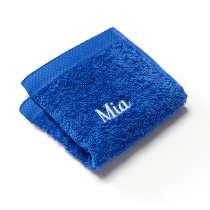 30x30 cm Waschlappen aus 100% Baumwolle, mit Namen bestickt.