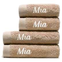 Zwei Badehandtücher (70x140 cm) und zwei Handtücher (50x100 cm) im Set.