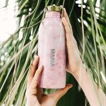 Bewahren Sie das Getränk 24 Stunden lang kalt oder 12 Stunden lang warm auf. Wasserflasche aus doppelt isoliertem Edelstahl.